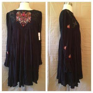 Free People Dresses - Free People Moya Mojave Embroidered Peasant Dress